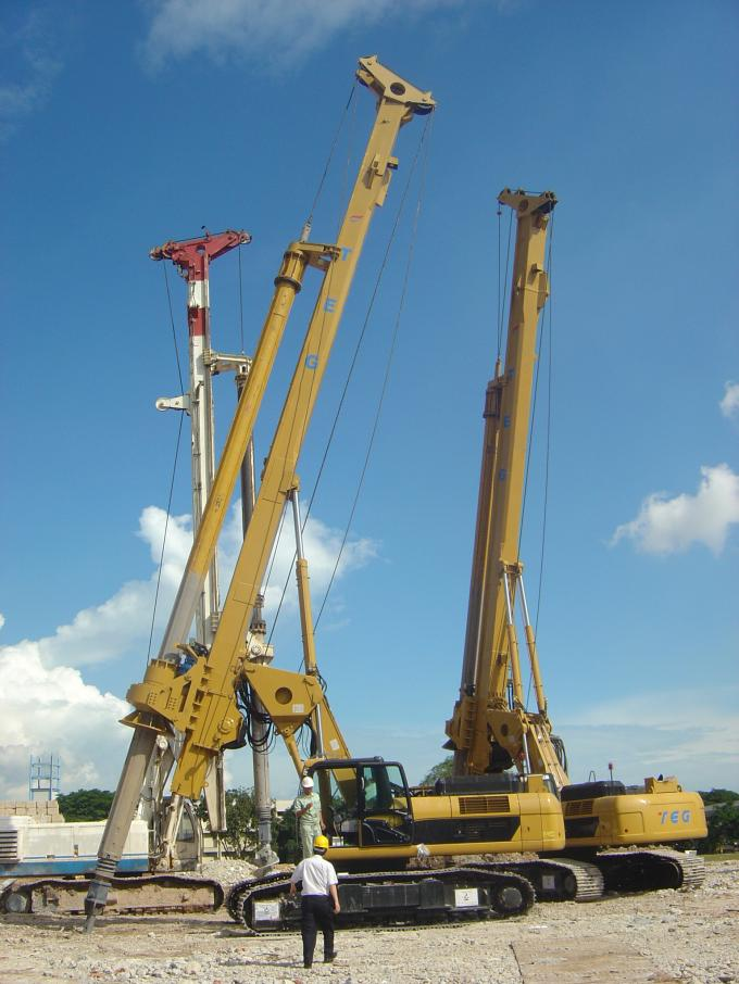 Rotary Drilling Rigs Engine Model CAT C-7 Rotating Speed 8-29 RpmWhole machine weight 55T Max drilling depth  52-55m 0
