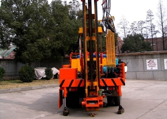 China Easy Operate Hydraulic Core Drilling Rig ST 100/200/600 100m - 600m Drill Depth supplier