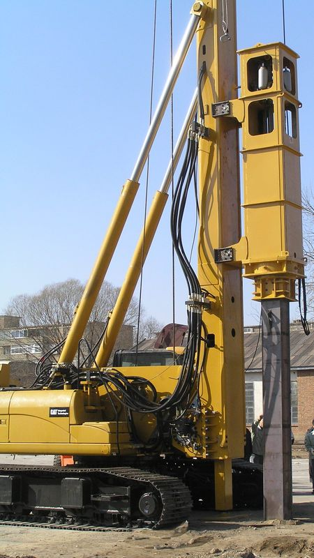 China hydraulic piling rig th60 drilling diameter 300mm supplier
